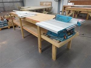 Table Saw, Makita MLT-100 (Location: Edi