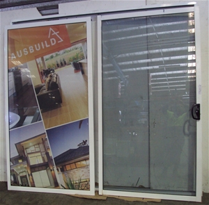 aluminium sliding glass doors auction 0080 7108414 graysonline