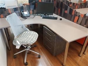 contents of workspace herman miller edinburgh parks sa auction 0150 8004655 graysonline. Black Bedroom Furniture Sets. Home Design Ideas