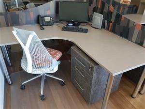 contents of workspace herman miller edinburgh parks sa auction 0146 8004655 graysonline. Black Bedroom Furniture Sets. Home Design Ideas