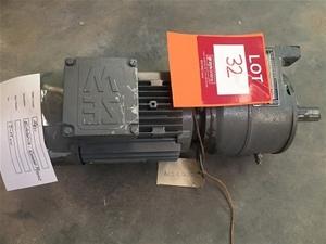 Sew eurodrive dt80k4 hollow shaft 55kw gear motor for Hollow shaft gear motor
