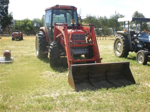 Tractor Daedong DK75C with Front End Loader (Rosedale, SA)