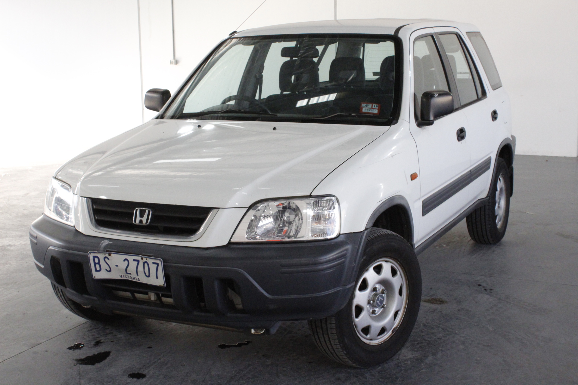 vehicle in at is vert montr sold system crv honda being al v en lombardi this the cr sale a price for displays by and of located qc