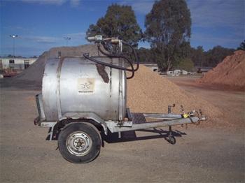 fuel trailer tank holds 1000 litres type a asset. Black Bedroom Furniture Sets. Home Design Ideas