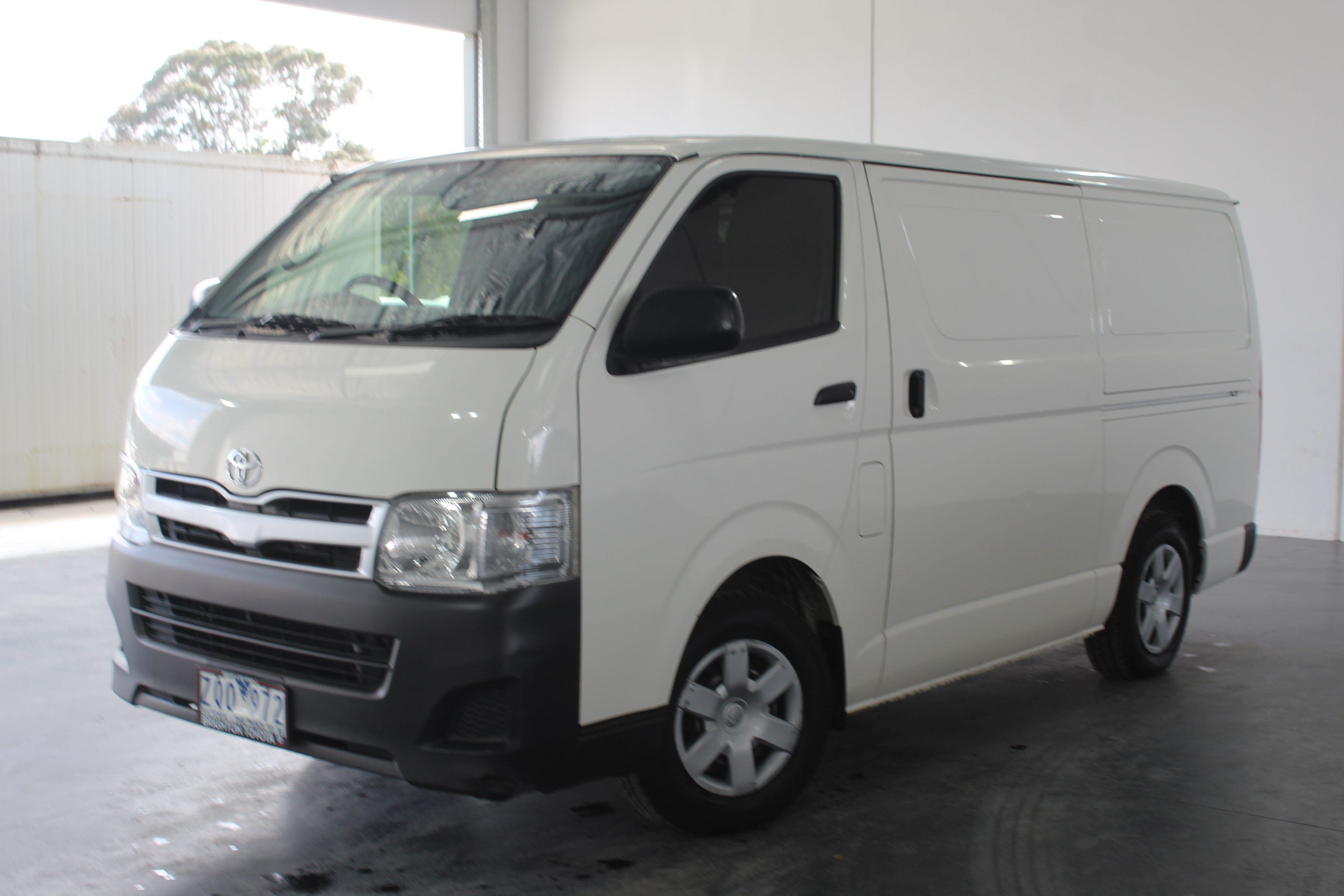 Toyota Hiace LWB KDH201R Turbo Diesel Manual Van