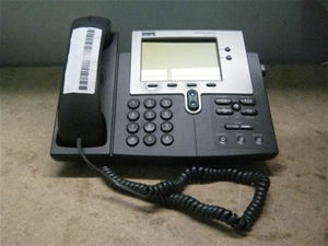 Cisco 7941 Series IP Phone  (68-2939-02 F0)  Slightly Scratched and Soiled