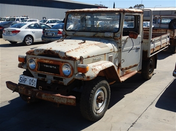 Unreserved 1977 Toyota Land Cruiser 4WD Manual Cab Chassis
