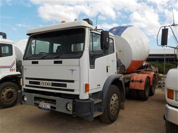 Iveco 2350G 6 x 4 Concrete Agitator Truck