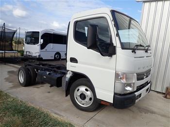 2015 Mitsubishi Fuso 515 Canter 4 x 2 Cab Chassis Truck (WOVR)