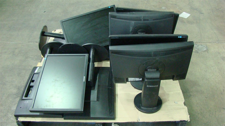 Pallet of Assorted Samsung LCD Monitor