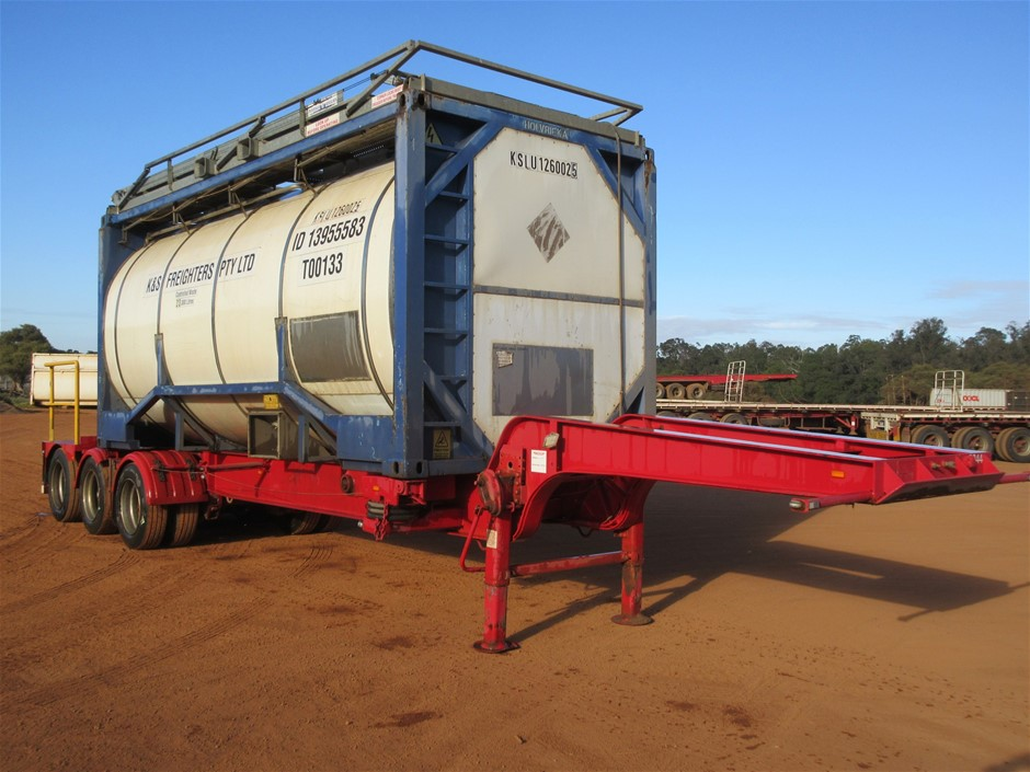 1982 Freighter Controlled Waste Tri Axle Skel Trailer