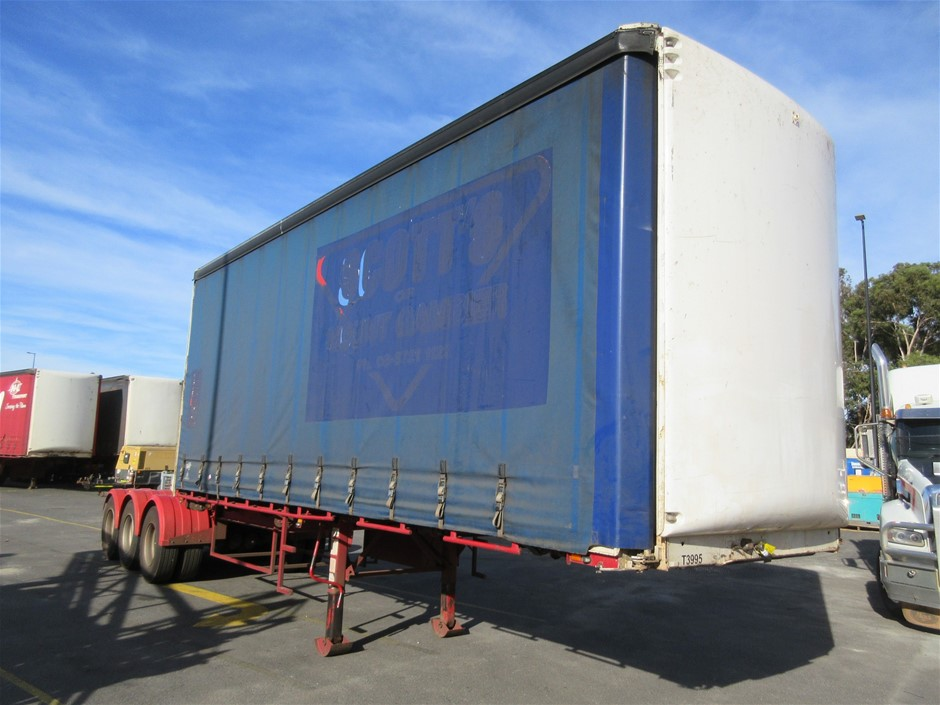 2000 Maxitrans ST3 Tri Axle 'A' Section Curtainsider Trailer