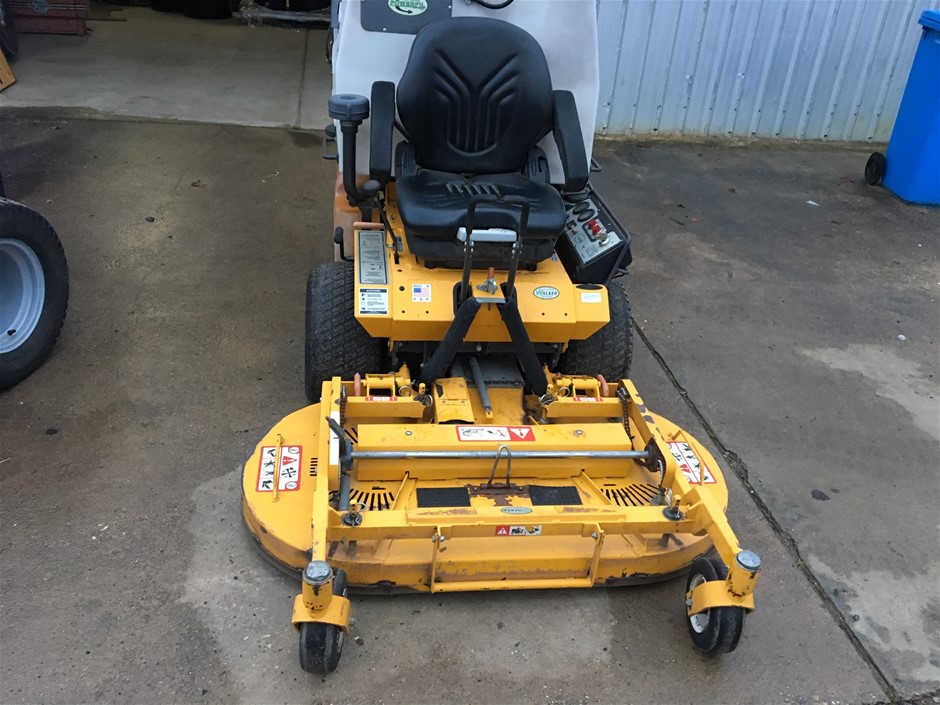 2011 Walker Zero Turn Ride-On Mower with catcher