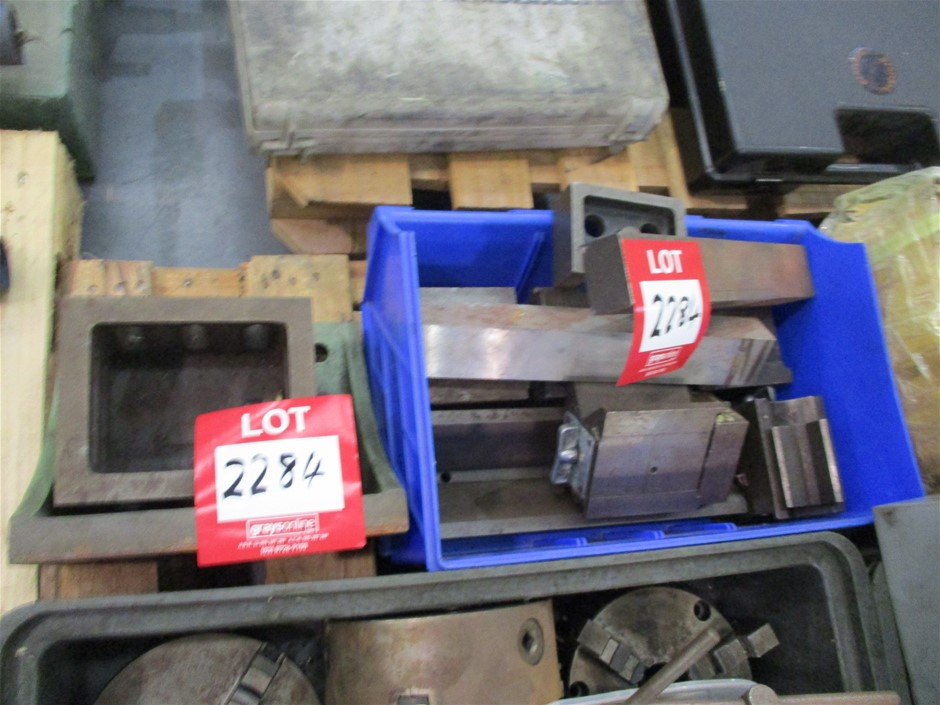 Quantity of Assorted Tooling for Lathes Comprising: