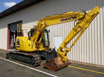 Komatsu PC138US-8 Excavator with attachments