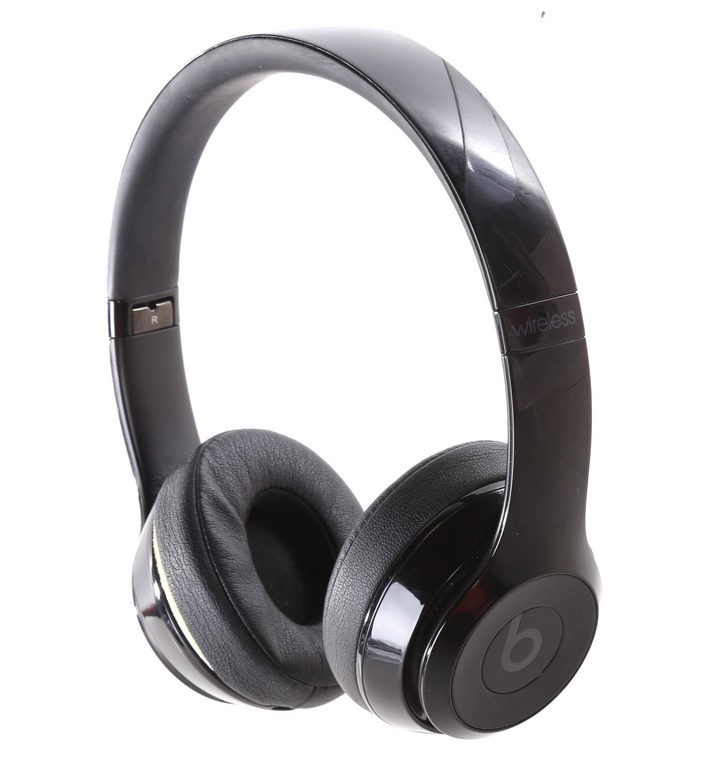BEATS BY DR DRE Beats Solo 3 Wireless Headphones, Gloss Black. N.B. Has bee