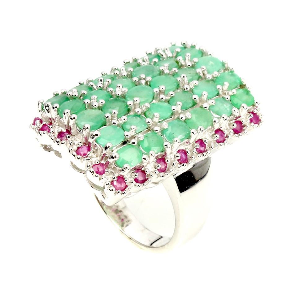 Beautiful Genuine Ruby & Emerald Ring