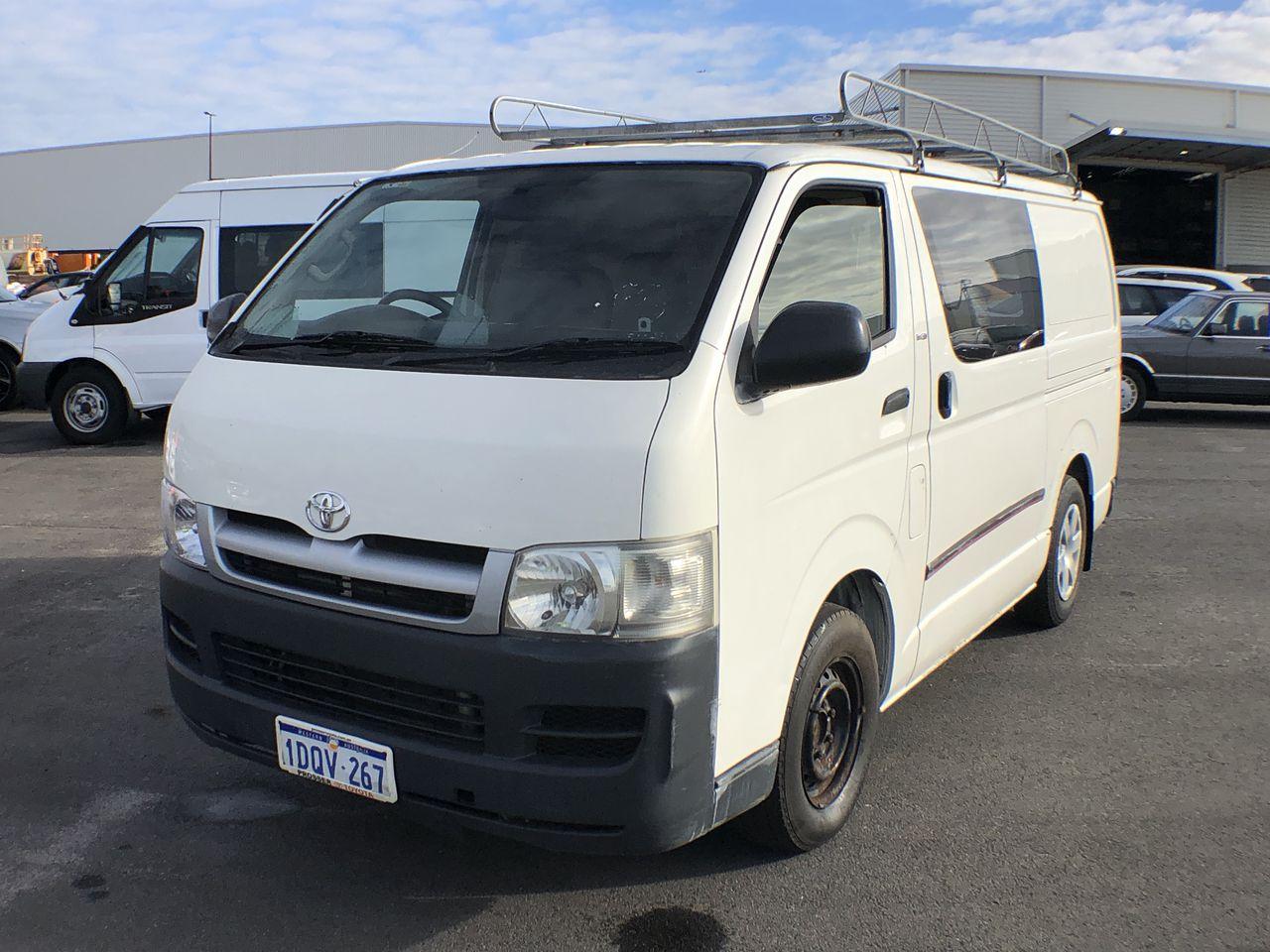 2005 Toyota Hiace LWB KDH200R Turbo Diesel Automatic Van