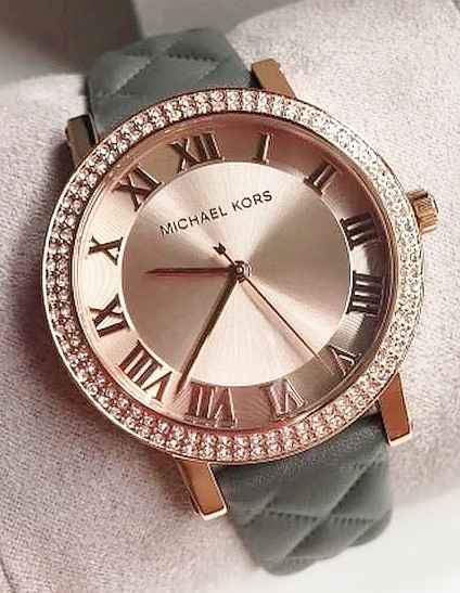 Ladies new Michael Kors Couture NY classy yet classic watch.