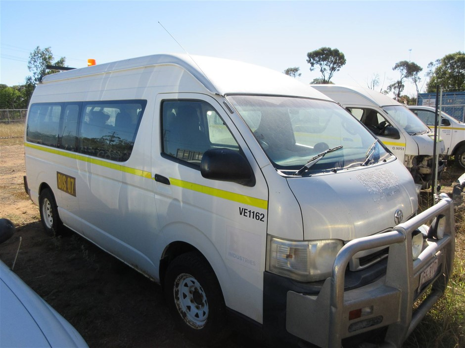 2011 Toyota Hiace Commuter RWD Automatic People Mover