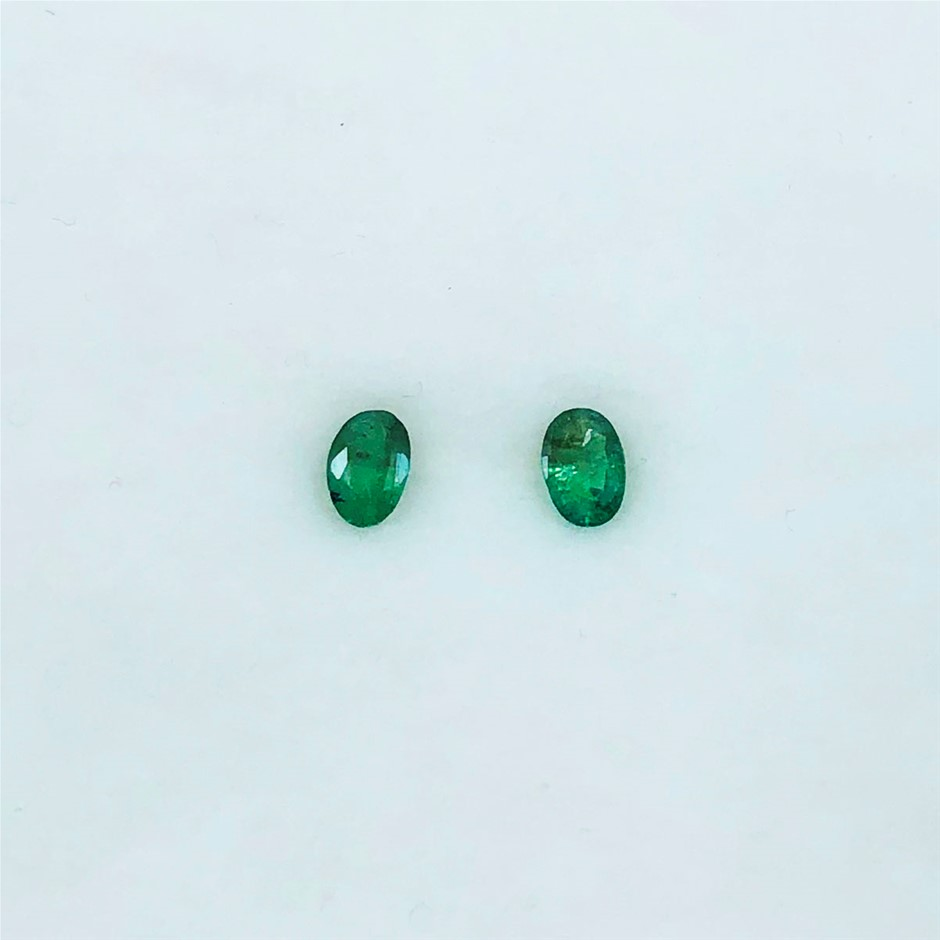 0.75 Ct - Oval Cut Pair of Natural Emerald