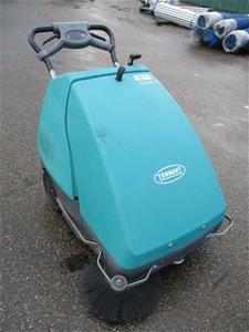 Tennant S8 AUS Floor Sweeper