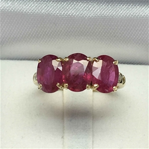 18ct Yellow Gold, 4.53ct Ruby and Diamon