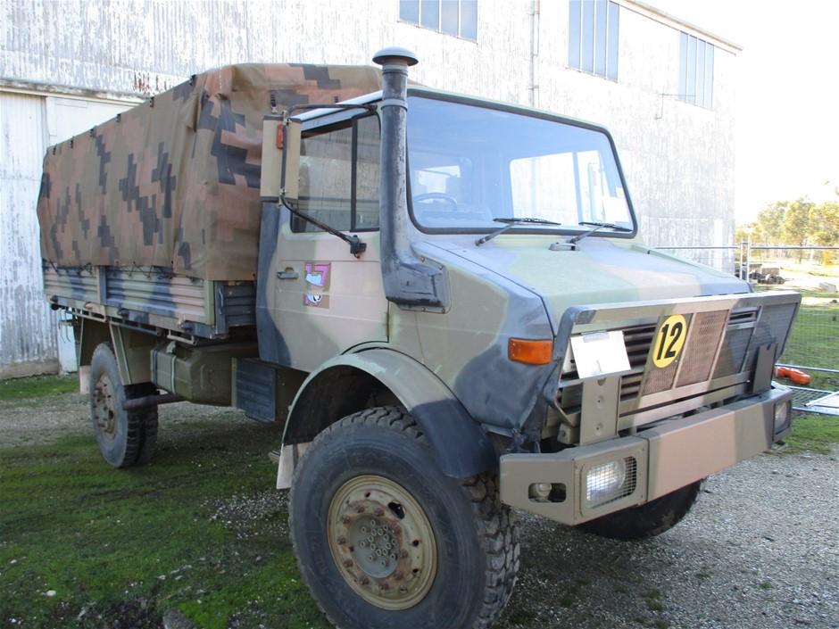 Mercedes Benz Unimog UL1700L Flat Top 4X4 Cargo Truck 1983 - Vic/NSW RWC
