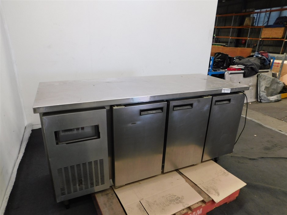 RS-T006 Undercounter Refrigerator