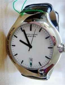 Genuine new united colors of benetton mens modern watch auction 0012 2057742 graysonline for Benetton watches