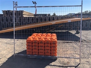 Qty of 100 x Temporary Fence Panels