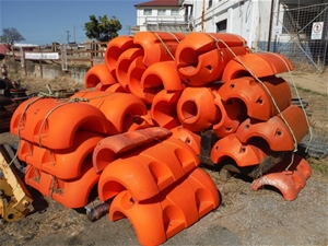 Qty Approx. 16x 250mm Poly Pipe Floats