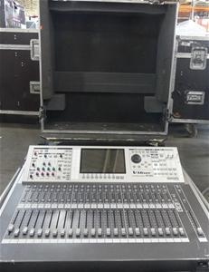 Roland V-Mixer M-400 Live Mixing Console