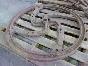 Cliff and Bunting Cast Iron Spinning Whe