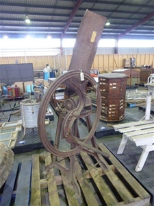 Southwell and Co Cast Iron Chaff Cutter