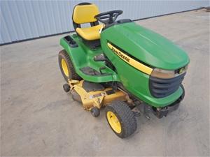 2009 John Deere X320 Ride On Lawn Mower