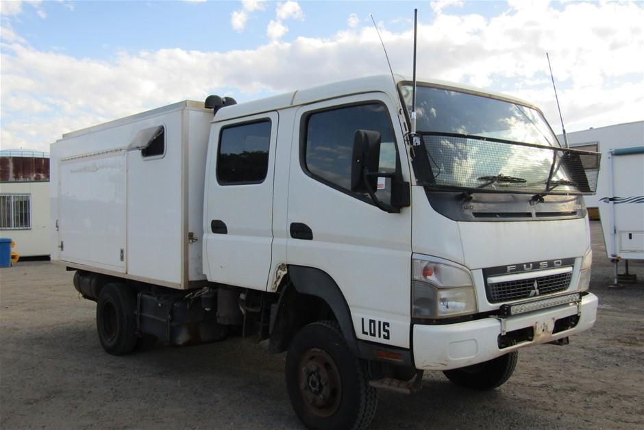 2010 Mitsubishi Canter 4 x 4 Truck