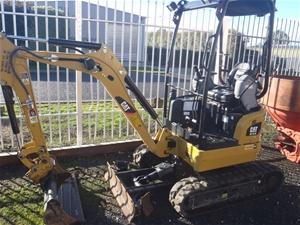 2017 CAT 301.7D CR Mini Excavator