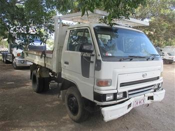 2002 Daihatsu Delta LT Series 4 x 2 Tipper Truck