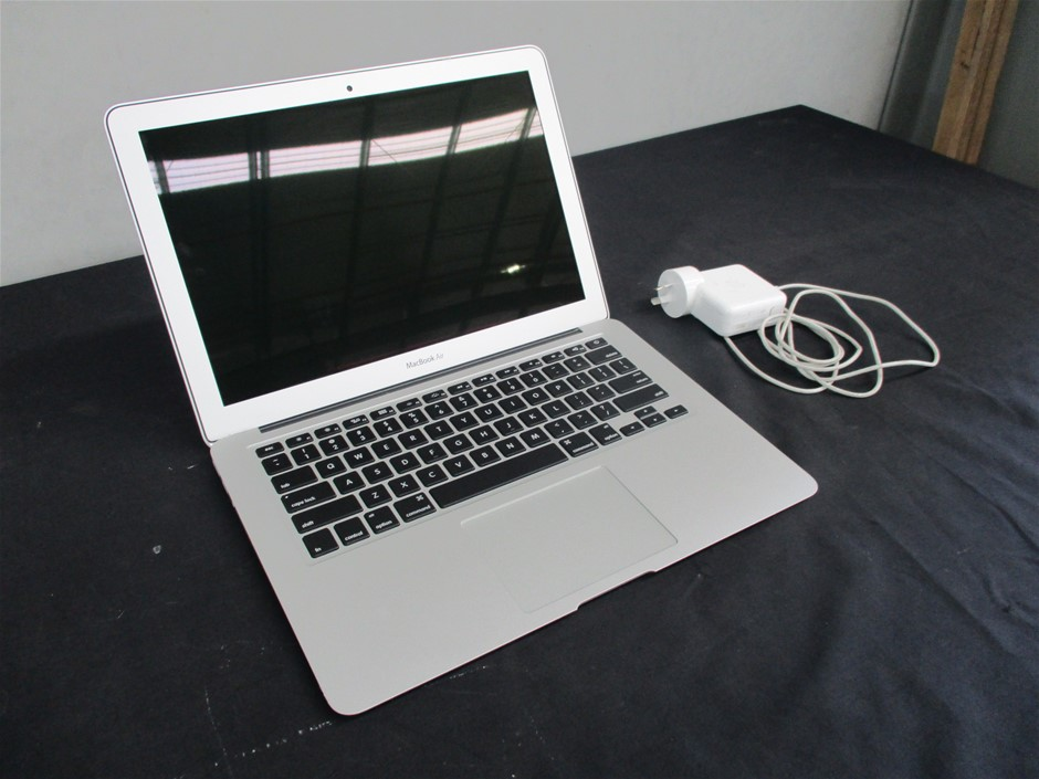 """Apple Macbook Air 13"""" MQD42/256Gb SSD/ i5 1.8GHz (Reconditioned)"""