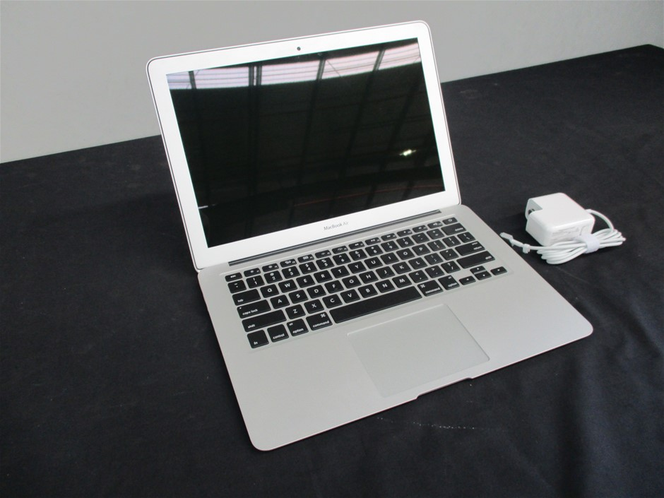 """Apple Macbook Air 13"""" MQD32/128Gb SSD/ i5 1.8GHz (Reconditioned)"""