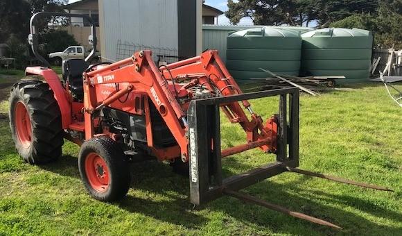 2008 Kubota Tractor, Model: L4400 4x4