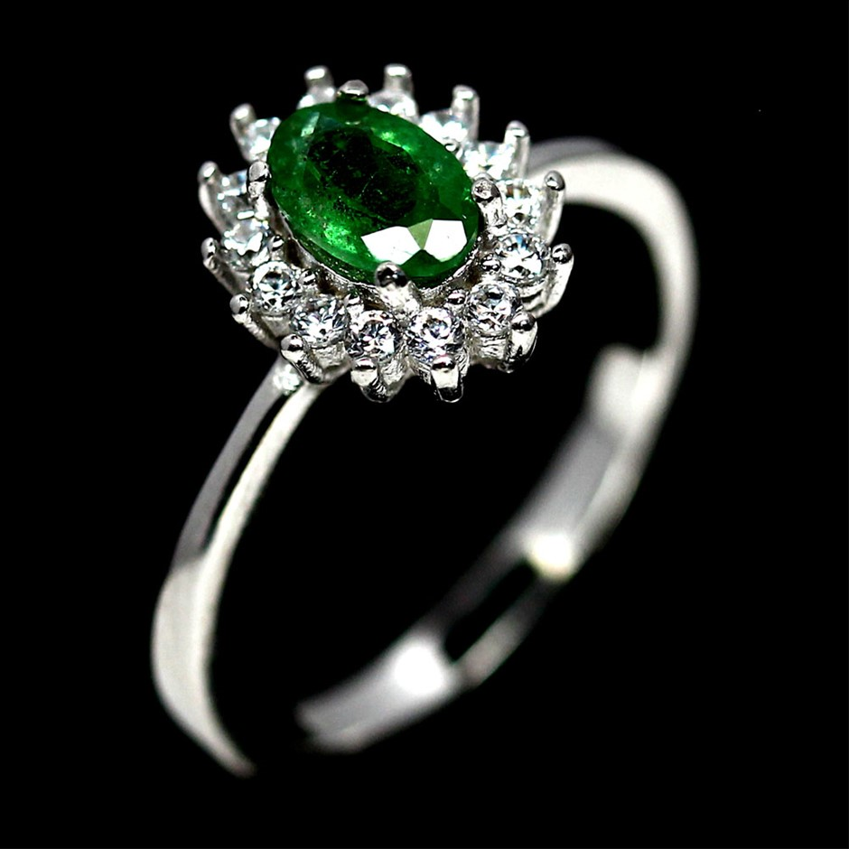 Gorgeous Genuine Tsavorite garnet Ring.
