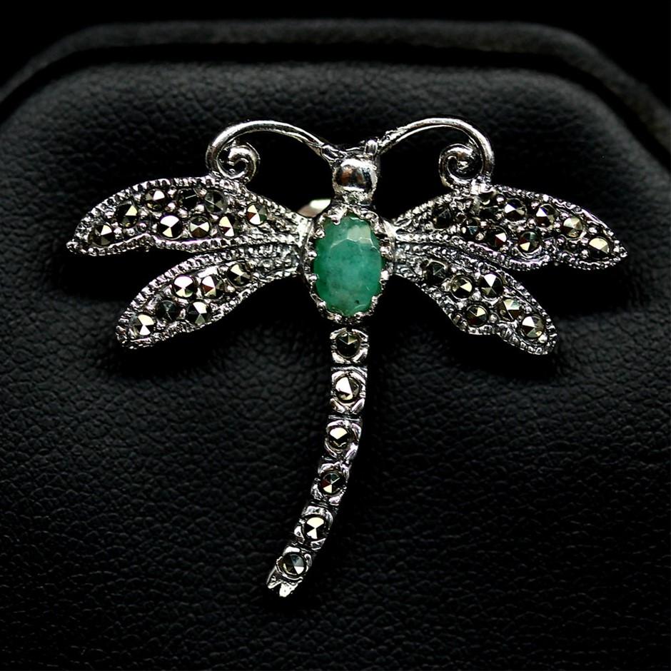 Superb Genuine Emerald Dragon Fly Brooch