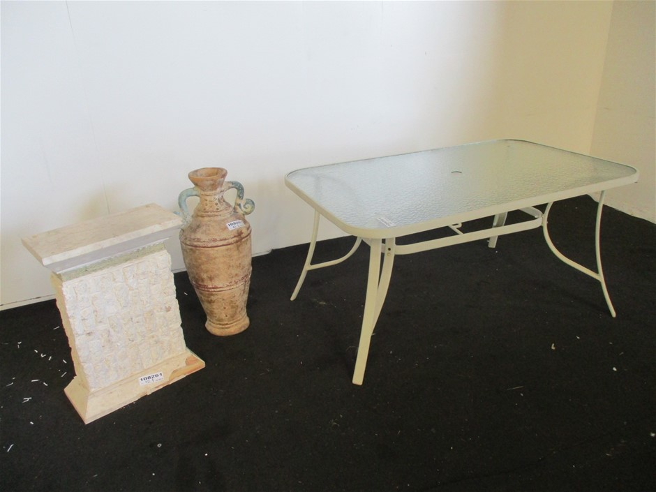 Qty 3 x Outdoor Furniture / Items