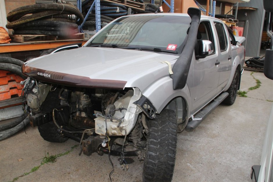 01/2014 Nissan ST_X 550 Dual Cab Ute (Stat Write Off)