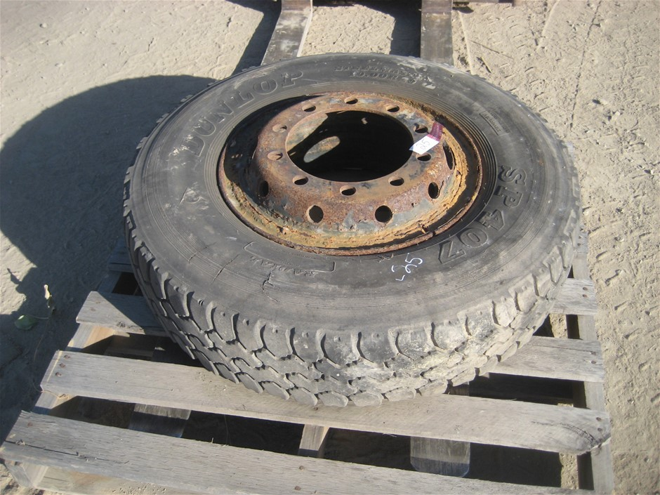 Tyre. 1 x 100 R 20