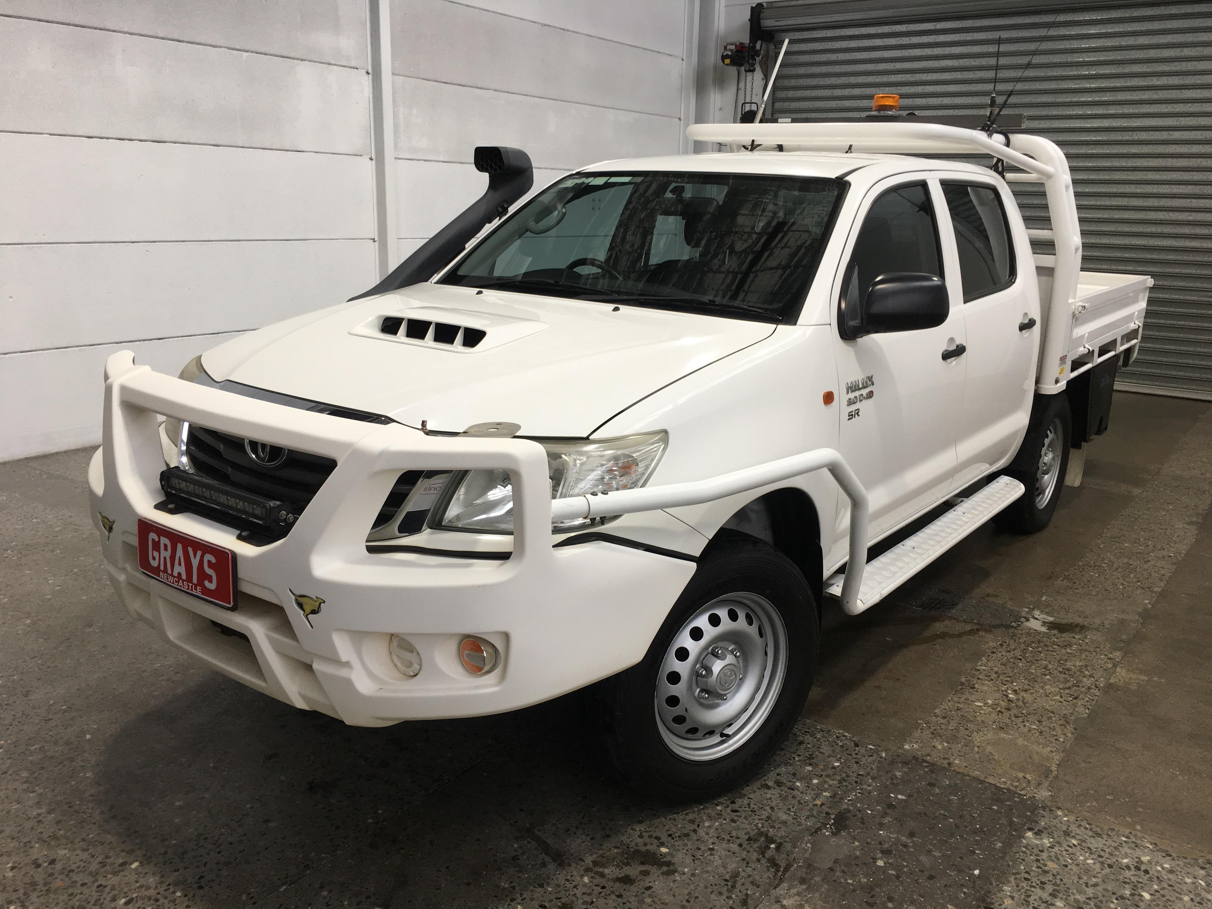 2014 Toyota Hilux 4x4 SR KUN26R Turbo Diesel Automatic Crew Cab Chassis