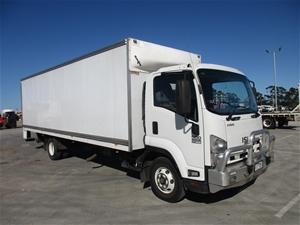 2015 Isuzu FRR 500 X LONG Pantech Truck