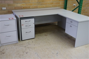 1 x Clerical Desk 1800 x 900mm with Left